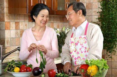 Những thực phẩm mà người bị ung thư đại trực tràng nên tránh